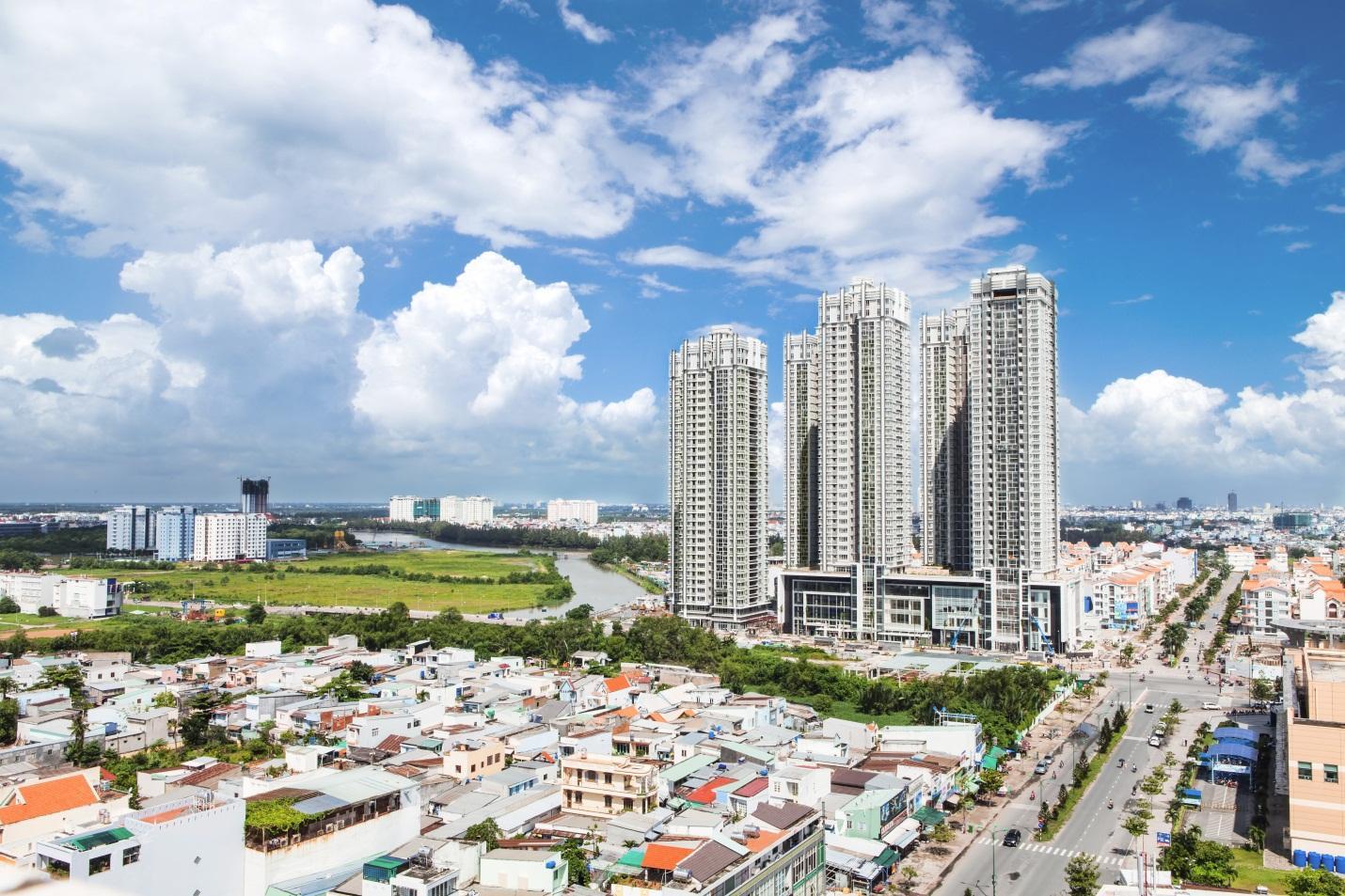 Thị trường bất động sản: Như chiếc lò xo bị nén, giá nhà khó lao dốc